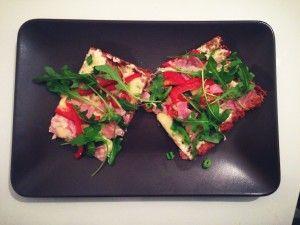 Pizza mit Thunfischboden.