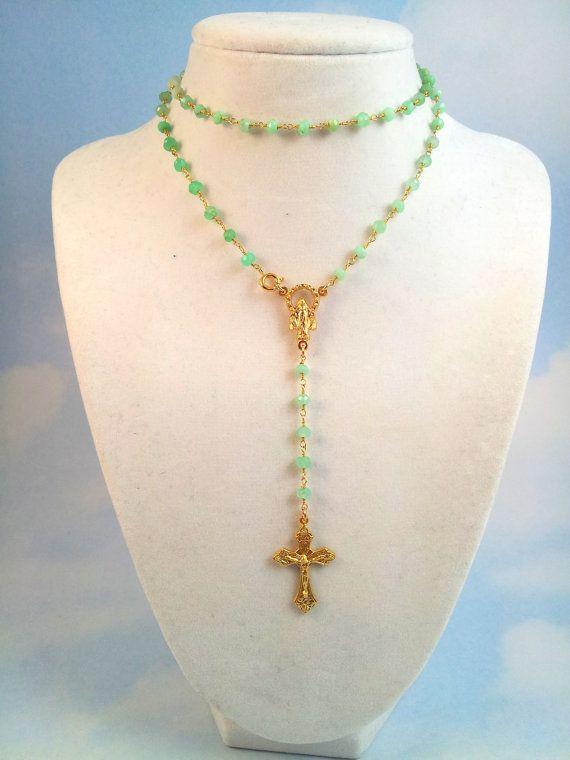 Cross rosary-style neck collar