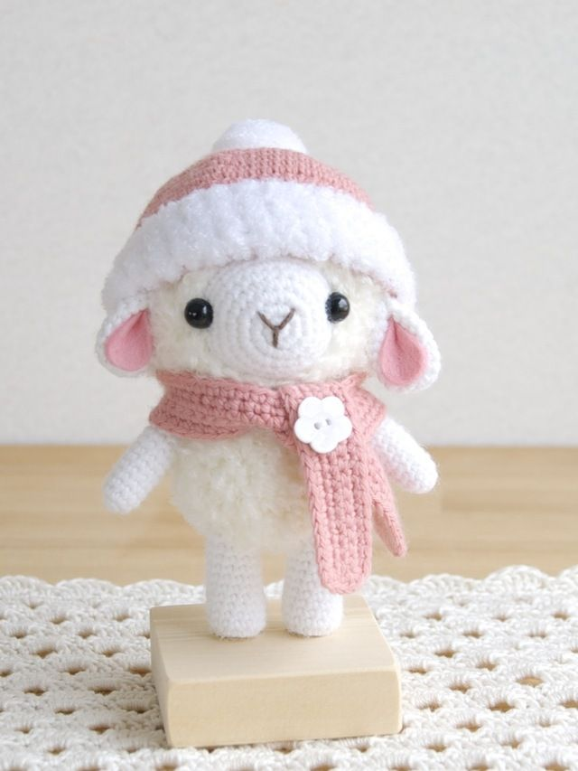 Amigurumi Sheep Doll : 1000+ images about Amigurumi sheep and lambs op Pinterest ...