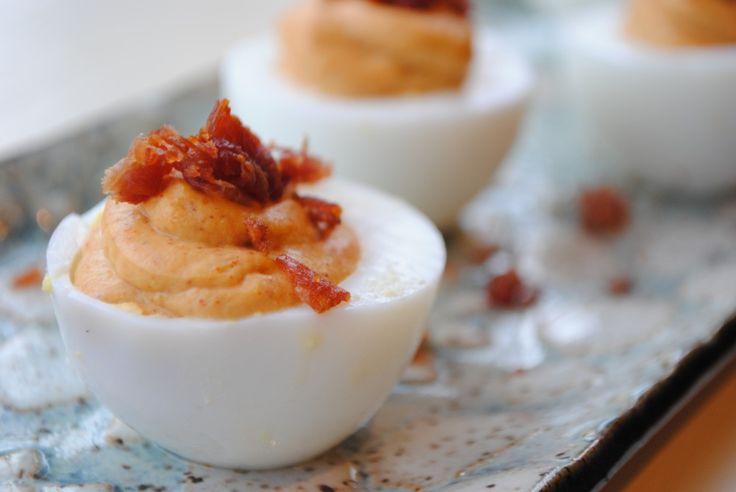 Spicy Deviled Eggs with Prosciutto Crisps