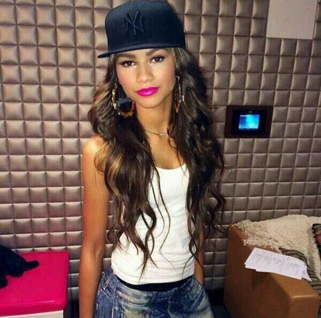 Zendaya sporting a #snapback #hot #freshhatsupply