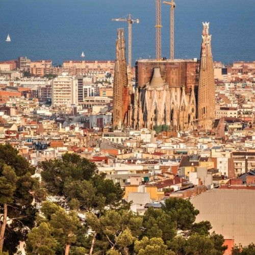 Opening hours of the Sagrada Família. Organise your visit and get your advance ticket Tickets without commissions