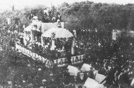 """Carnevale di Viareggio 1923 - """"Tempi passati non ritornan più..."""" Carro  di L.Parducci"""