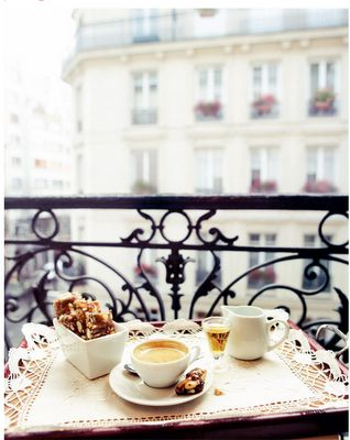 Breakfast at balconies - Paris hotel
