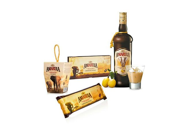 The Amarula Indulgent Gift Set consists of a wonderful selection of liqueur, fudge and chocolates.