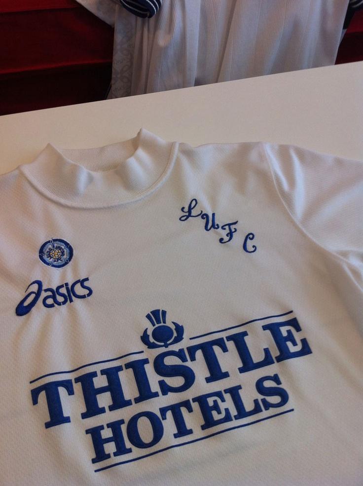 Leeds United 1995/96 Asics / Thistle Hotels McCallister, Ian Harte, Tony Yeboah, Gary Speed...