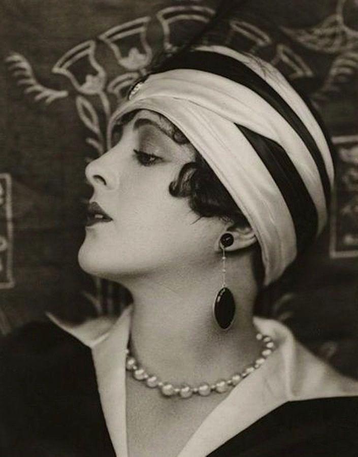 Billie Dove, c.1925.