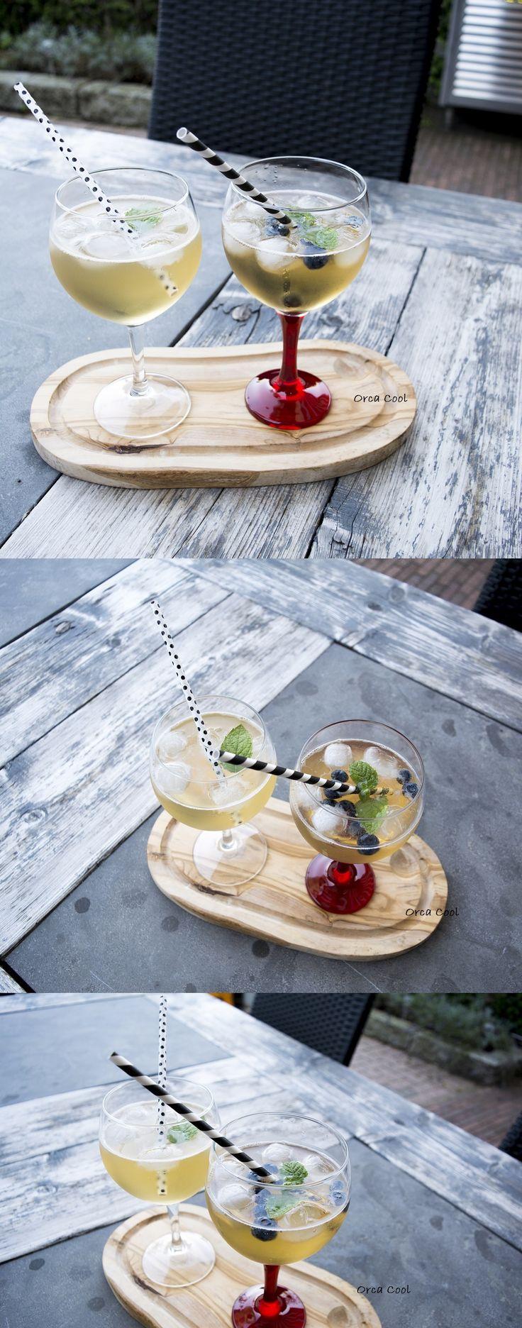 Gin Tonic Glazen met en zonder gekleurde voet...hippe zwart-witte rietjes
