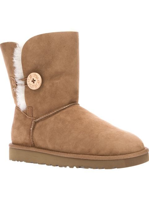 Compre Ugg Australia Bota bege. em FFBR from the world's best independent boutiques at farfetch.com. Over 1500 brands from 300 boutiques in one website.