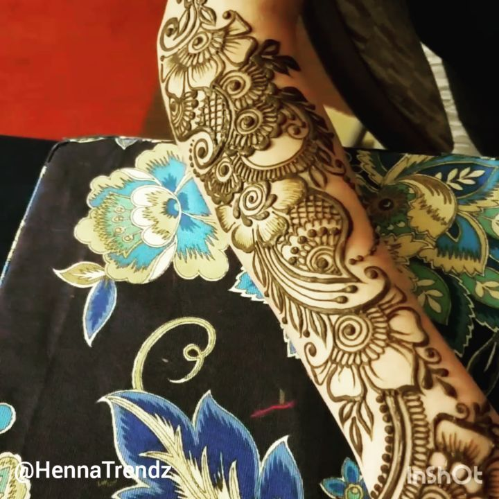 I took this quick video to show her the full design clearly... Check #hennatrendzvideos for all my videos in one place! San Diego California. HENNA BY WARDAH OF HENNATRENDZ. Book your henna appointment at artist's home studio! Parties Bridal Mehndi Purchase fresh henna cones www.HennaTrendz.com Facebook: Henna Trendz By Wardah #mehndi #henna #hennatattoo #henna_i #sandiego #bridalmehndi #hennavideos #hennapro #hennalookbook #hennalove #henna_tutorial #hennavideo #hennaart #hennadesign…