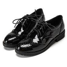 Brogue Zapatos de Mujer de Punta Redonda de primavera y Otoño de Estilo Británico Retro Zapatos de Charol Oxfords Femeninos Zapatos de Tacones Gruesos(China (Mainland))