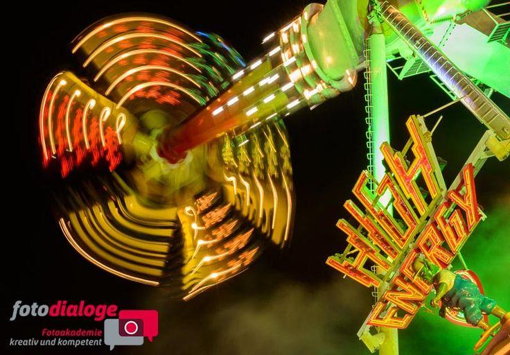 Tanz der Lichter auf dem Oktoberfest 2013 #Oktoberfest #München #Fotokurs #Kurs #Lichtspuren #Langzeitbelichtungen #Fotodialoge www.fotodialoge.com