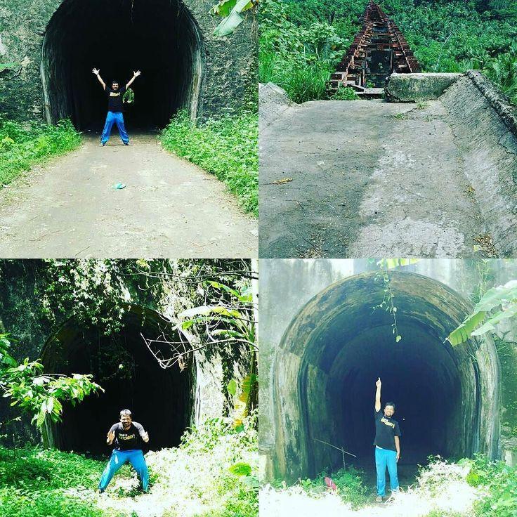 @Regrann from @sejarahbandung -  Jalur KA paling eksotis di Indonesia. Terowongan Hendrik (105 m) disusul jembatan Cikacepit (310 m) dan terowongan Juliana (147 m) dan Wilhelmina (1116 m) yang berdekatan sebelum jalur menemukan bibir pantai. #keretaapi #Pangandaran #Railroad - #regrann  #bandungnostalgia