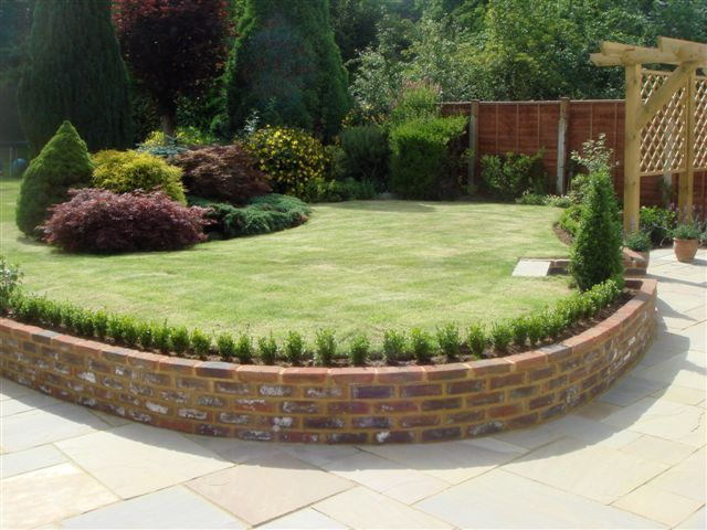 1000 images about garden walls on pinterest gardens for Designs for brick garden walls
