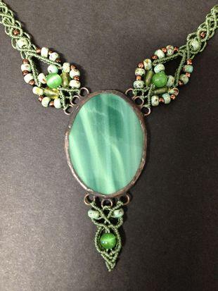 Green macrame glass necklace, big oval