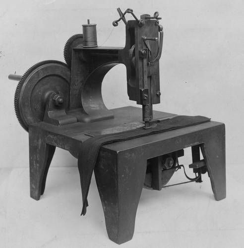 The original Singer sewing machine. In August of 1851, Isaac M. Singer was granted a patent for the first Singer brand sewing machine. This machine was built in 1854. The photo was taken in about 1895, and at that time the sewing machine was in good working order.