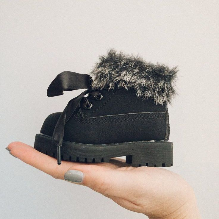 How amazing are these Itty Bitty Limited Edition Midnight Black Winter Fur Boots… – Shoes