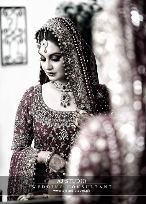 Bunto Kazmi bridal. My DREAM bridal outfit is/will be a Bunto. THE END.