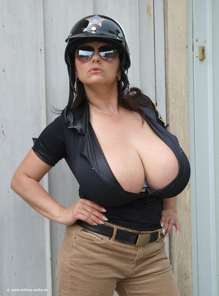 Фото полицейских девушек с большими сиськами — img 10