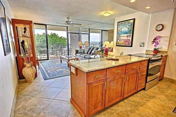"""#TestimonialTuesday """"We love the Kahana Reef!           We've stayed at the Kahana Reef condos numerous times but this is our first time in Unit 415. The remodel is lovely and the condo is well stocked and very comfortable."""" Date of arrival: October 22 2016. #Hawaii #maui #kapalua #vacationrental #familyvacation #islandlife"""