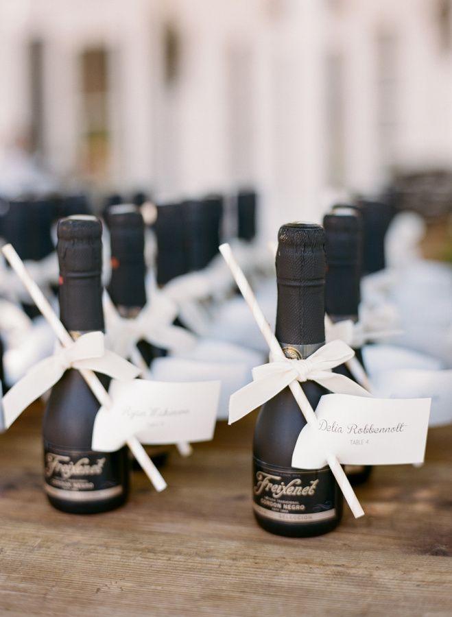 Personalized champagne favors: http://www.stylemepretty.com/little-black-book-blog/2015/11/23/sun-splashed-hammersky-vineyard-wedding/ | Photography: Josh Gruetzmacher - http://www.joshgruetzmacher.com/