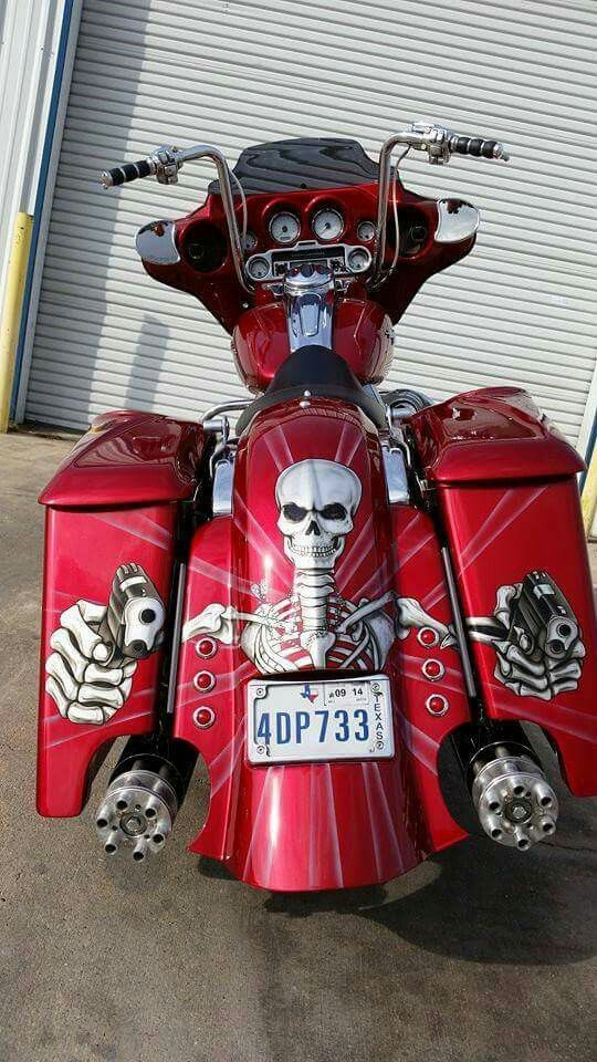 motorcycles have changed my thinking lol. bring on the skulls and guns. good girl gone bad. love the way this is displayed