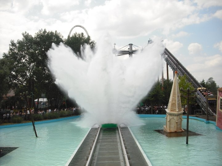 Tidal Wave Thorpe Park UK This ones enough of a thrill but not too much