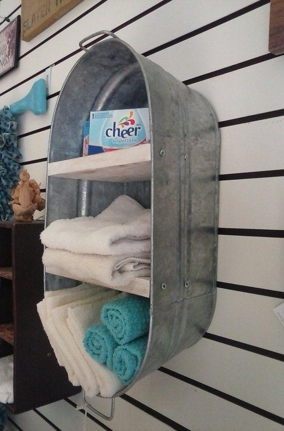 Dies ist Waschzuber, die wir in einer hängenden neu gedachte Wand Regal/Schrank. Perfekt für Bad, Waschküche oder Küche. Ideal für Handtücher halten.  Maße ca.: 19 H x 6 L x 10-1/4 W Regal-Entfernung: Unten Mitte Regal 6 H, mittleren bis obersten Regal 5-1/2 H, Oberboden an die Spitze des Eimers 6 H