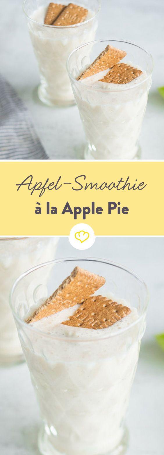 Nicht aus dem Ofen, sondern aus dem Mixer kommt diese leckere Kreation - ein cremiger Smoothie, der nach Vanille, Zimt und jeder Menge Apfel schmeckt.