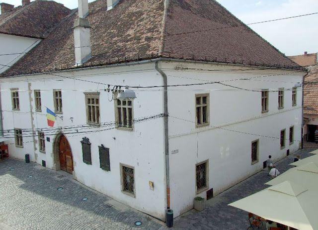 ITTHON VAGY - NÉZZ KÖRÜL NÁLUNK...: Mátyás király szülőháza (Kolozsvár) / Folytatás a ...