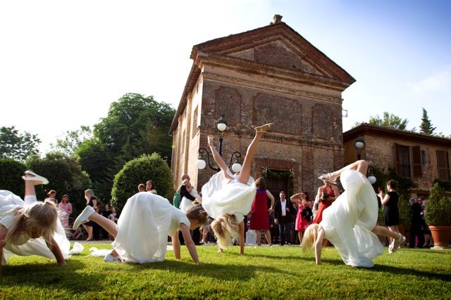 www.italianfelicity.com #bridemaids #jumping #happiness #kids