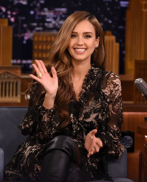 """Jessica Alba Visits """"The Tonight Show Starring Jimmy Fallon"""" at Rockefeller Center on August 4, 2017 in New York City."""