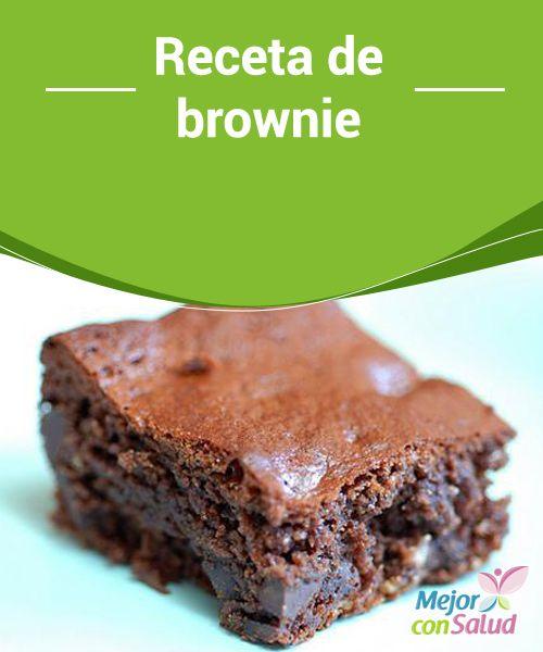 Receta de brownie  Una de las teorías más curiosas que intentan explicar la invención del brownie es que éstos fueron descubiertos por accidente, cuando un cocinero intentaba hacer un pastel de chocolate y olvidó usar levadura.