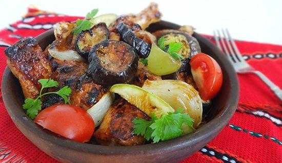 Курица с овощами в мацони на кеци