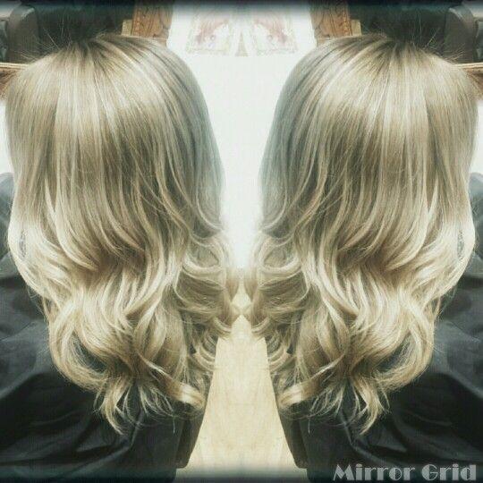 外人さんカラー ヘアカラー ハイトーン ブリーチ ハイライト ブロンド Haircolor Blonde Highlights 根本暗め ブロンド Hair&make Welina Hitomi.yanagida Myworks Hairsalon Japan