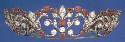 ruby tiara: Ruby Tiaras, Delicate Ruby, Earlier Tiaras, Diamonds Tiaras, Ruby And Diamonds, Antiques Tiaras, Tiaras Ruby, Earlier Boucheron, Boucheron Ruby