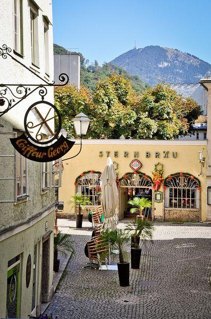 Calle típica de Salzburgo, Austria