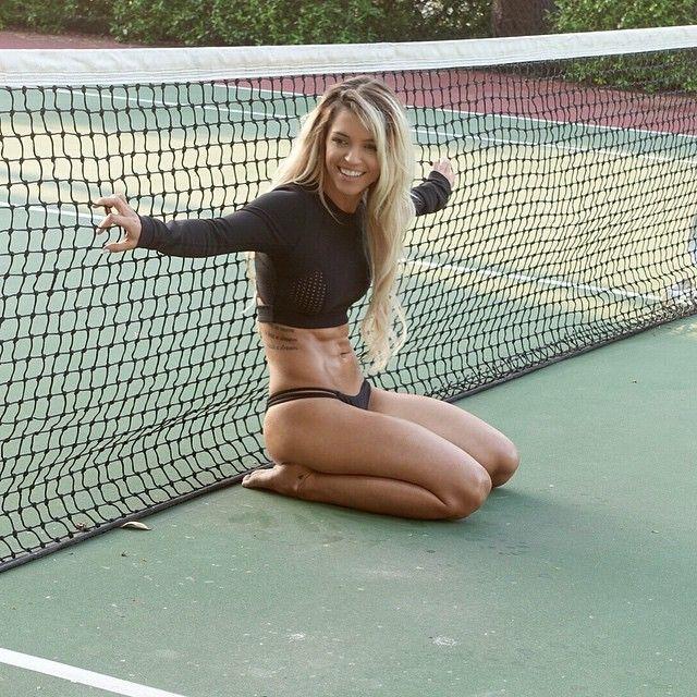 Fitness Model Nikki Blackketter Talks With Simplyshredded.com | SimplyShredded.com | Bloglovin'