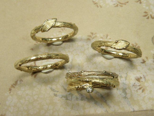 * heirloom | oogst-sieraden * Ringen * Twijgjesringen met blaadje voor de 3 dochters * Twijgjesring met diamant en witgouden takje voor moeder * Vervaardigd van eigen goud * Maatwerk *