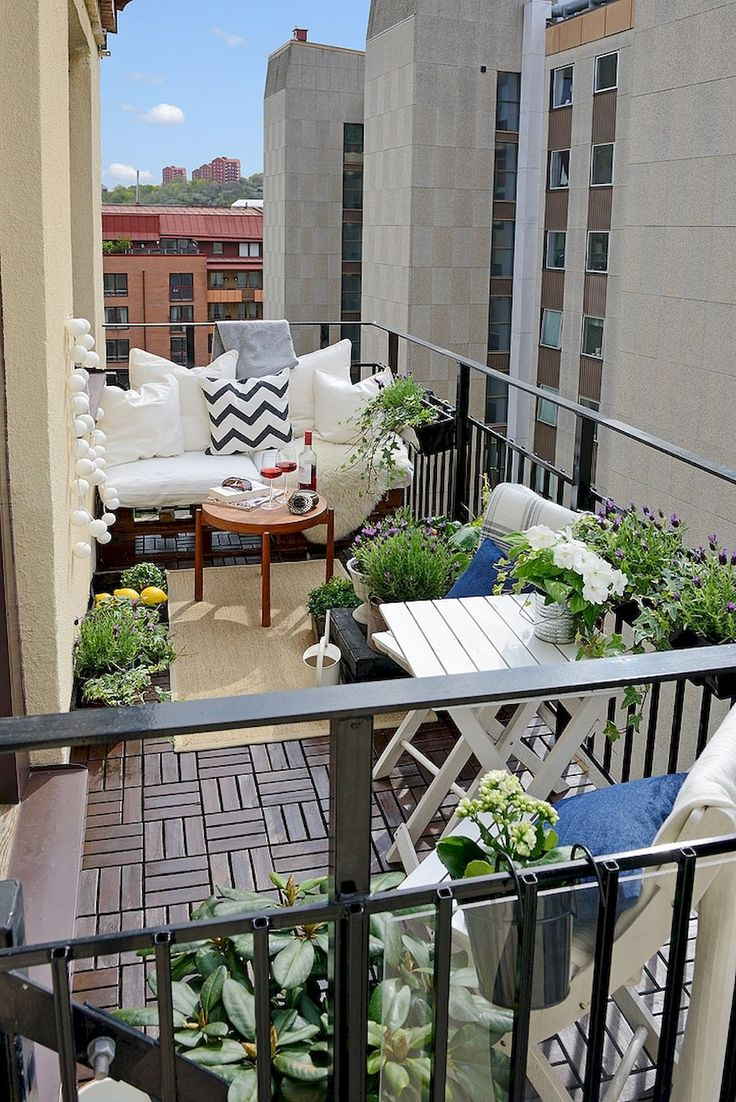 Small apartment patio decorating ideas - 80 Beautiful And Cozy Apartment Balcony Decor Ideas