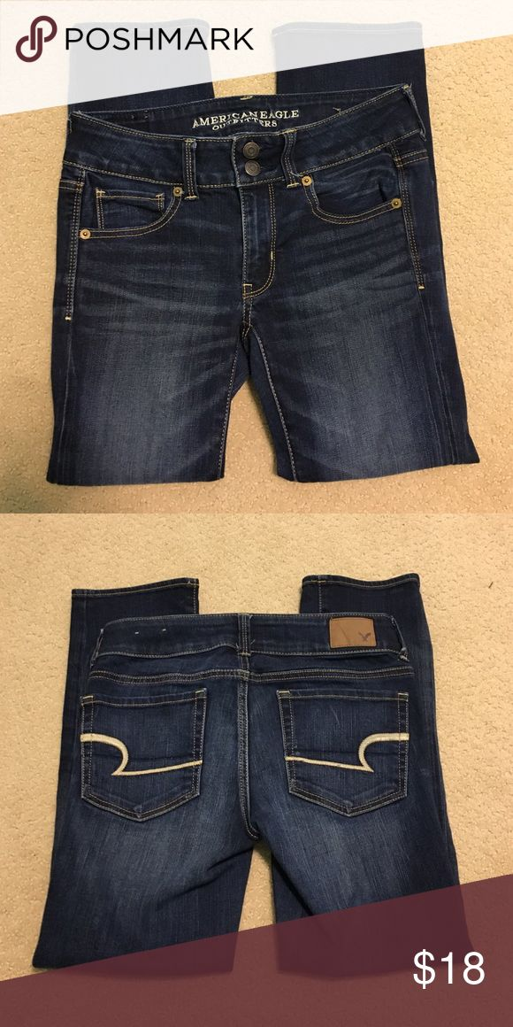American Eagle Crop Jeans Size 2 regular. Artist Crop, Super Stretch. Ordered online and ended up being too small so only worn once. Feel free to leave an offer! American Eagle Outfitters Jeans Ankle & Cropped