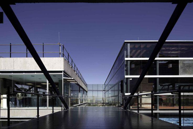 Universidad de los Andes - Felipe Gonzalez-Pacheco