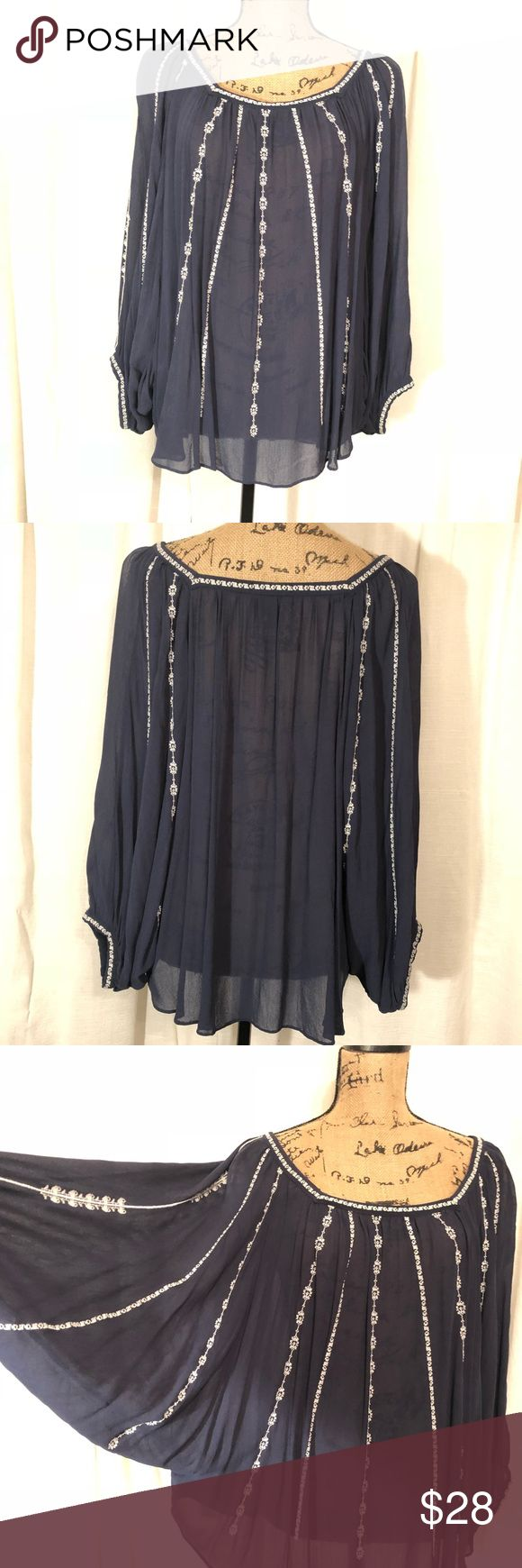 Lucky Brand batwing sleeves top Cute flowy top with batwing sleeves and white stitching NWOT Lucky Brand Tops