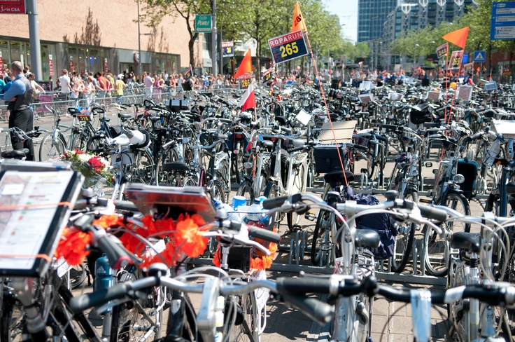 Roparun 2012 - fietsen op de Coolsingel