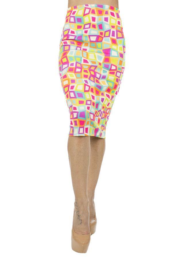 Fusta Dama Beautiful Colors  Fusta dama midi, ce se muleaza frumos pe corp.  Imprimeu in trend, material usor elestic.     Lungime: 67cm  Latime talie: 35cm  Compozitie: 100%Poliester