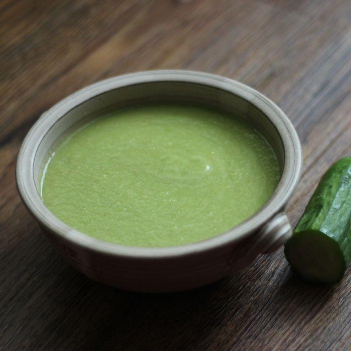 <p>Okurkovou polévku jsem našla náhodou, ale musím uznat, že je opravdu osvěžující a chutná. Dodá vašemu tělo spoustu energie, potřebných vitamínů, enzymů a stopových prvků.</p>