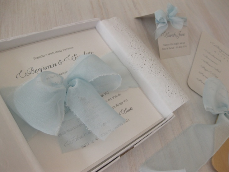 Wow our gorgeous Chiffon Bow design.......simply stunning!!!!!!