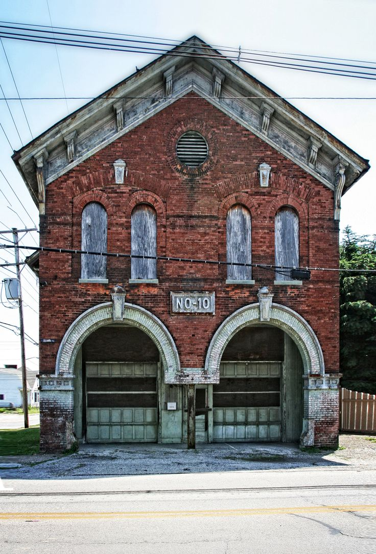 Evansville, Indiana fire house #10.  I want to buy this and make a home out of it!