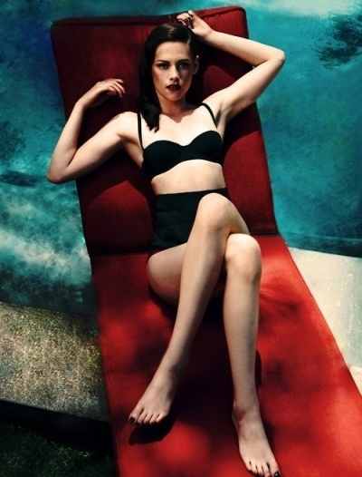 Kristen Stewart Voted LEAST Sexy Actress in Hollywood