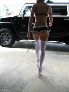 Ее любимый автомобиль. Девушки и авто. Сексуальные девушки и шикарные автомобили или мотоциклы на рабочий стол, ежедневные обновления. VERcity.